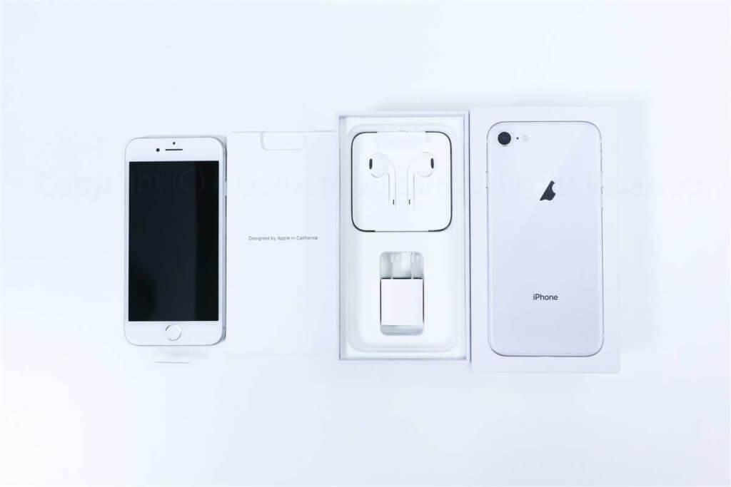 iPhone 8 同梱品