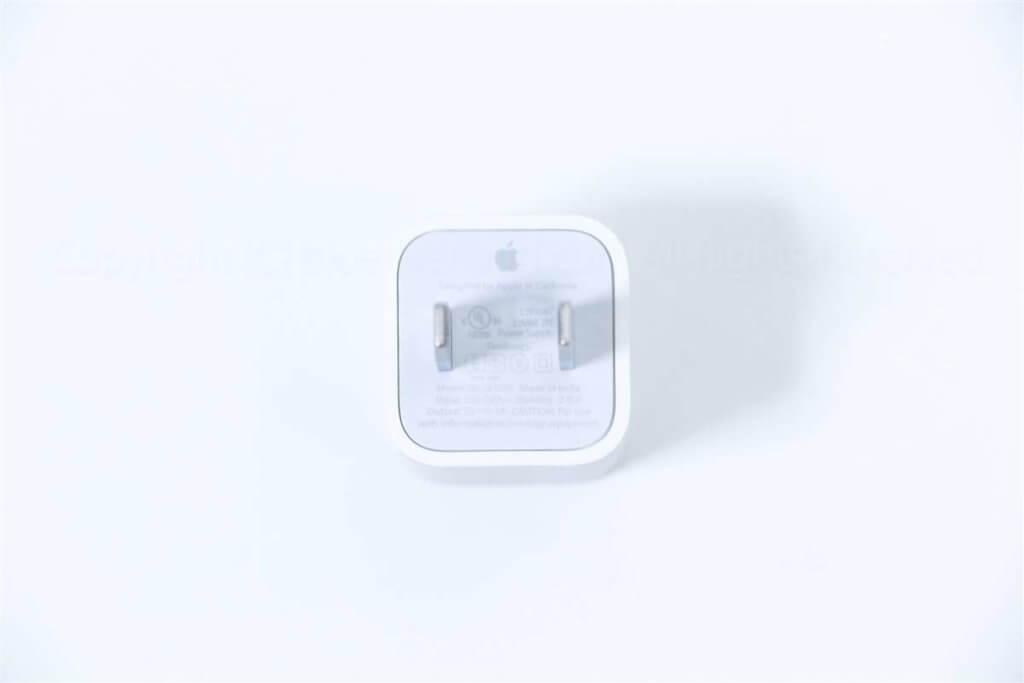 iPhone 8 充電器