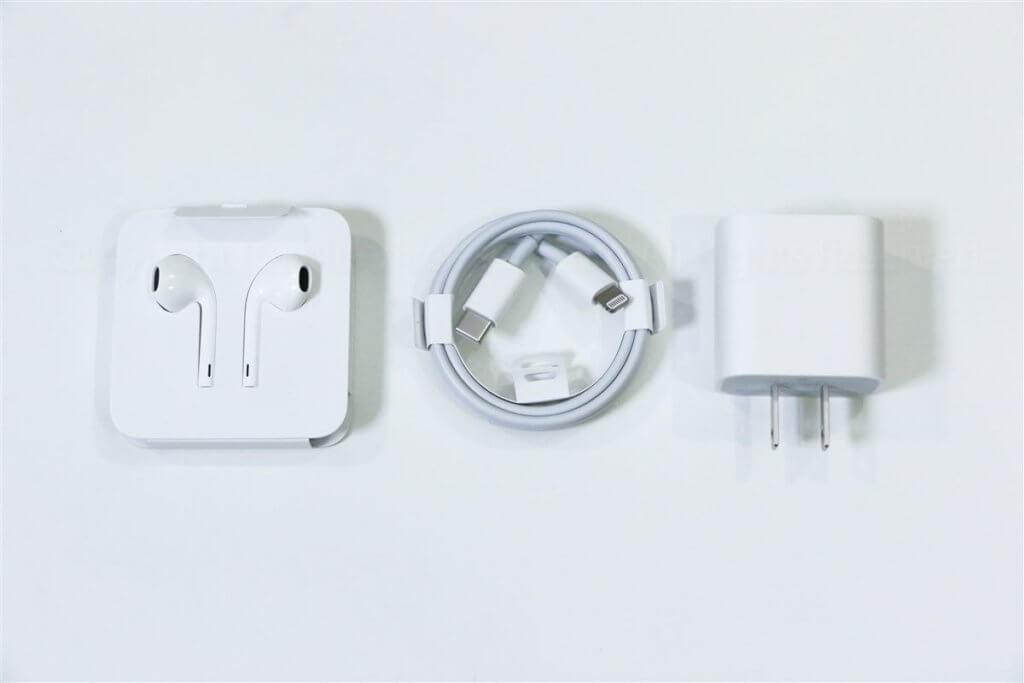 iPhone 11 Pro付属品レビュー01